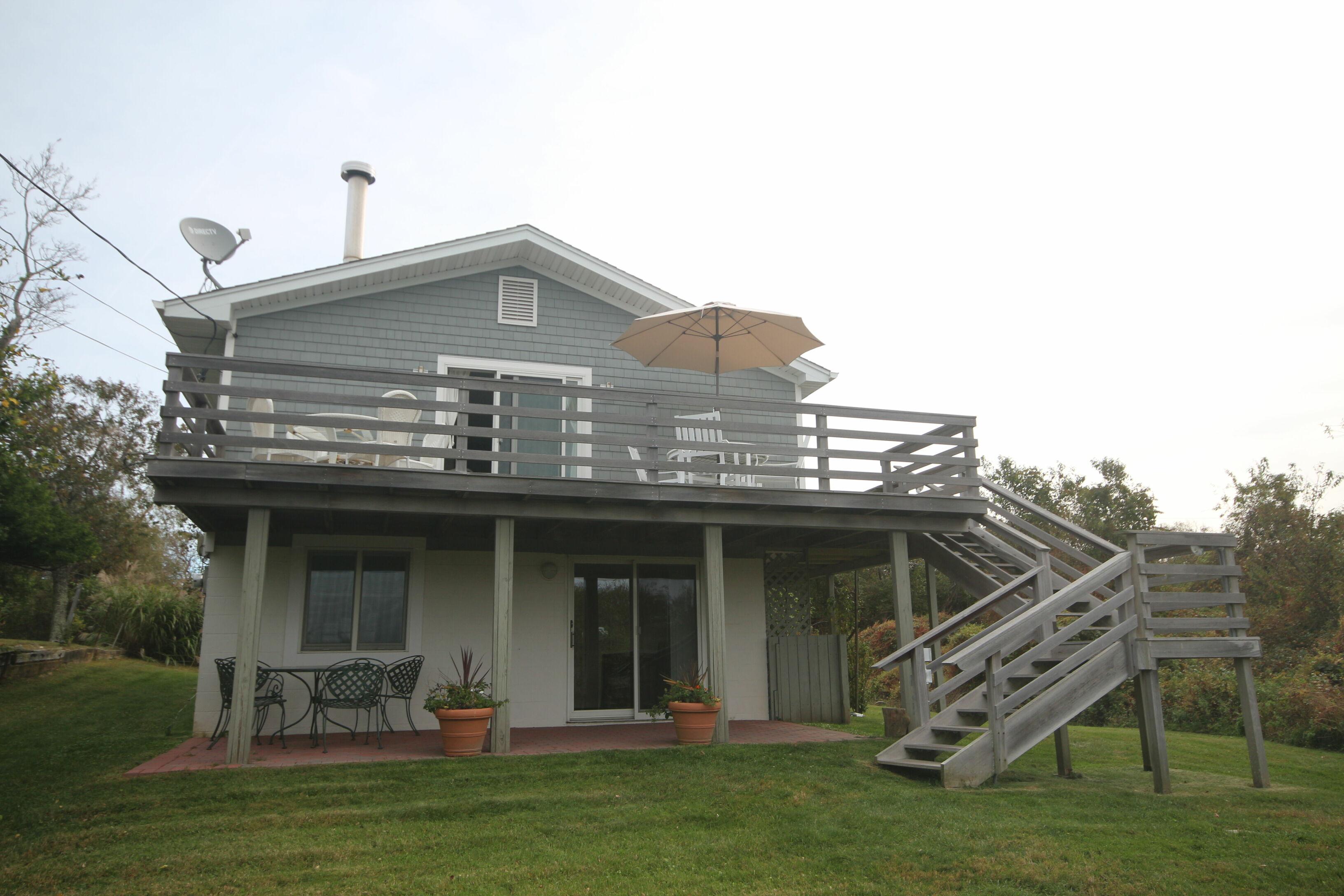 Perfect Ditch Plains Beach Cottage