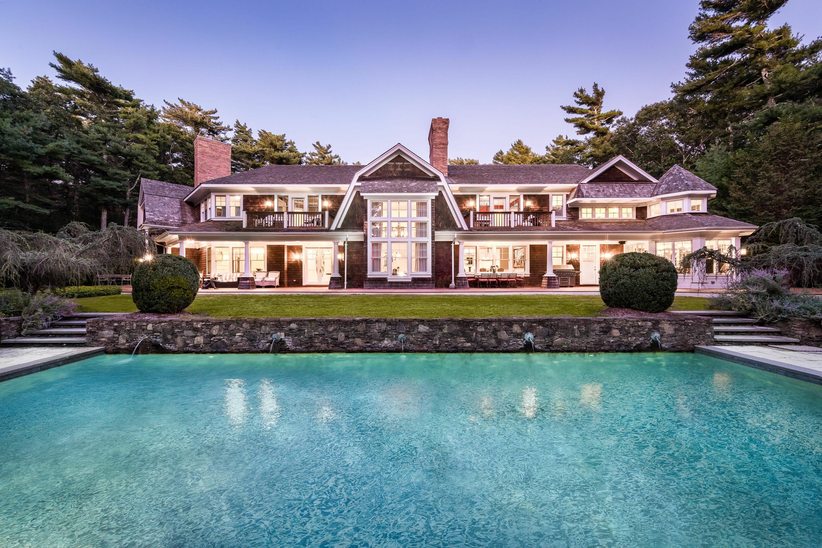 94 Bull Path - East Hampton Village Fringe, New York