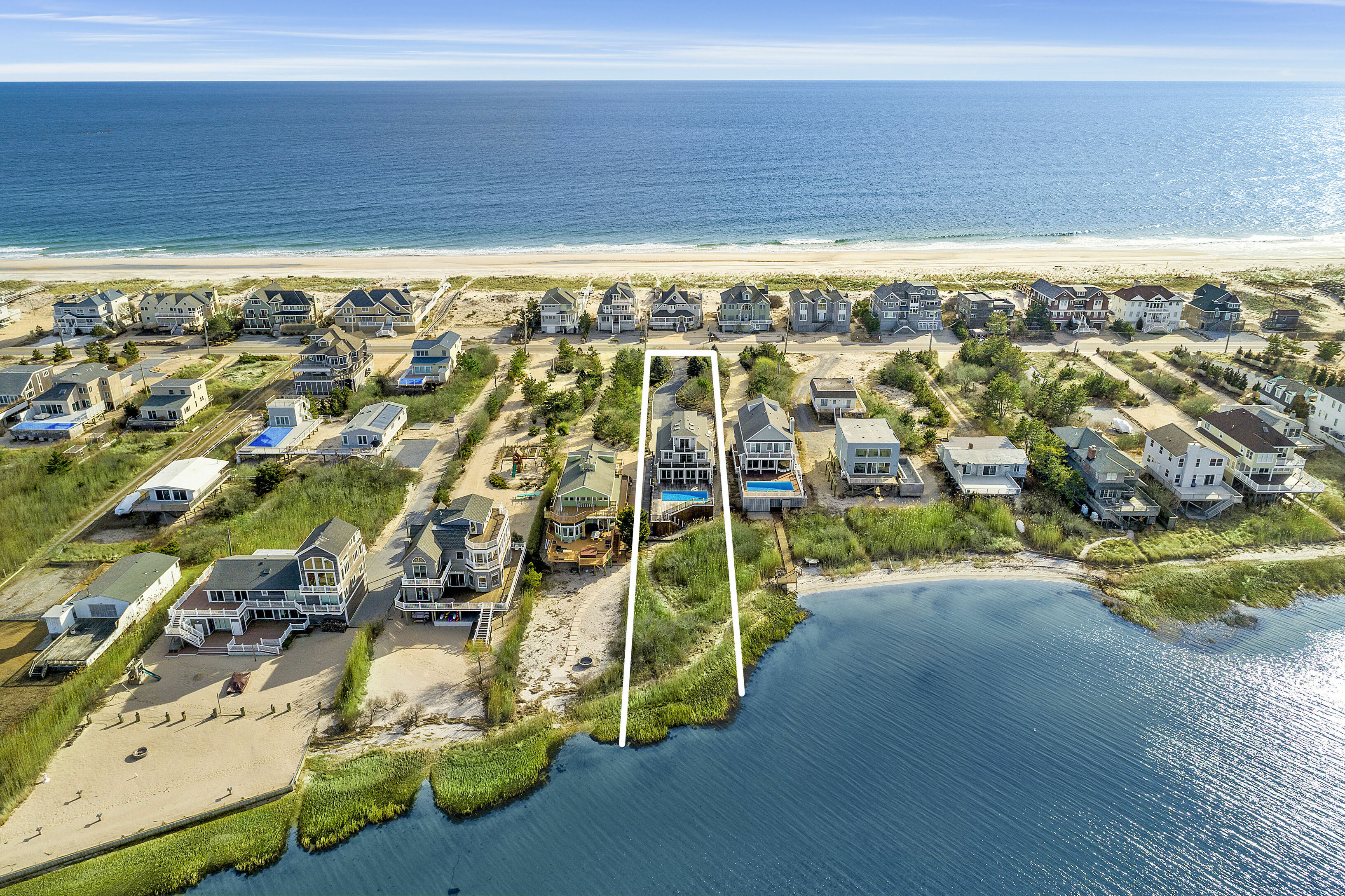 842 Dune Rd - Westhampton Beach South, New York