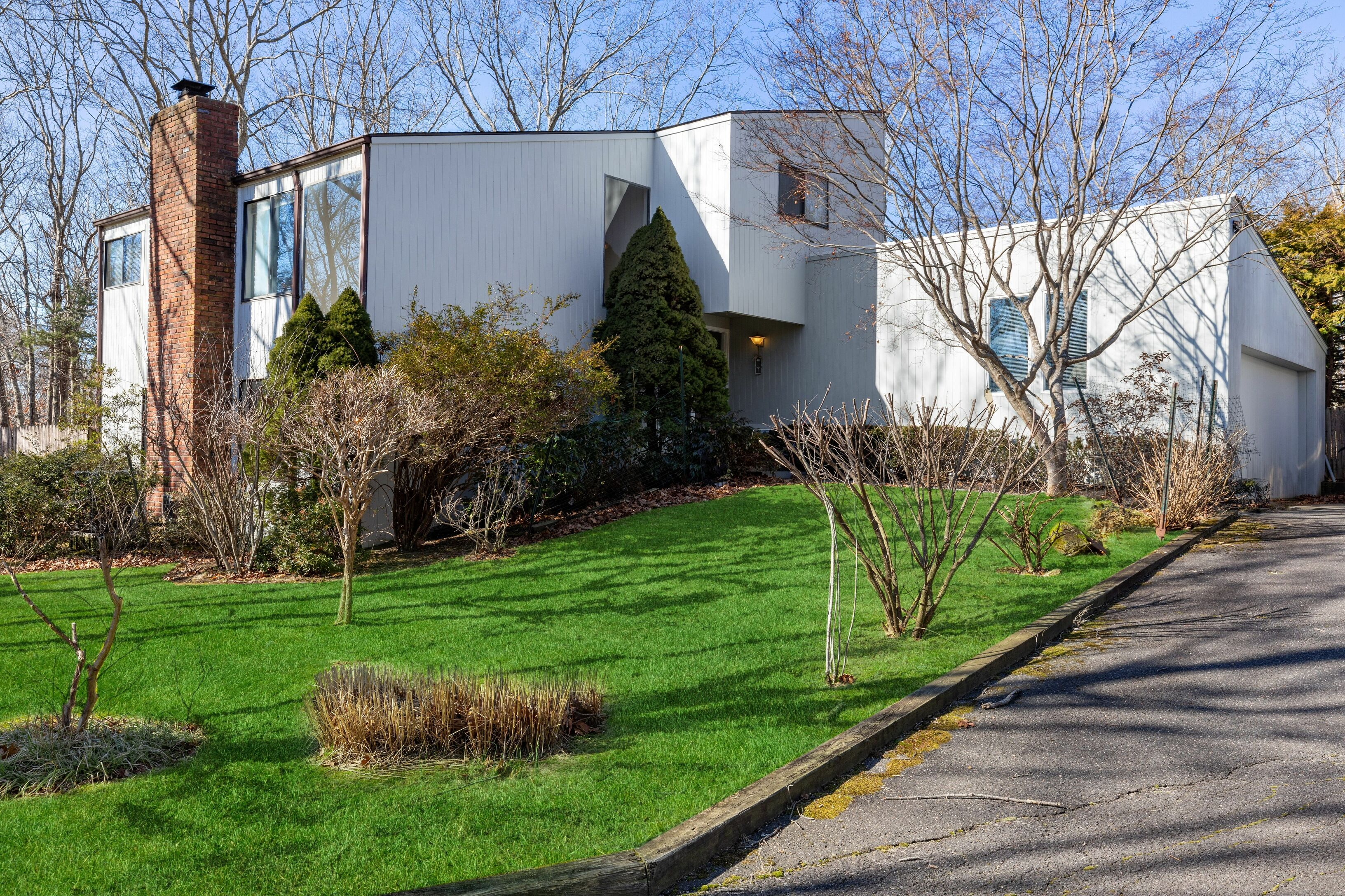 95 Peconic Hills Dr - Southampton North, New York